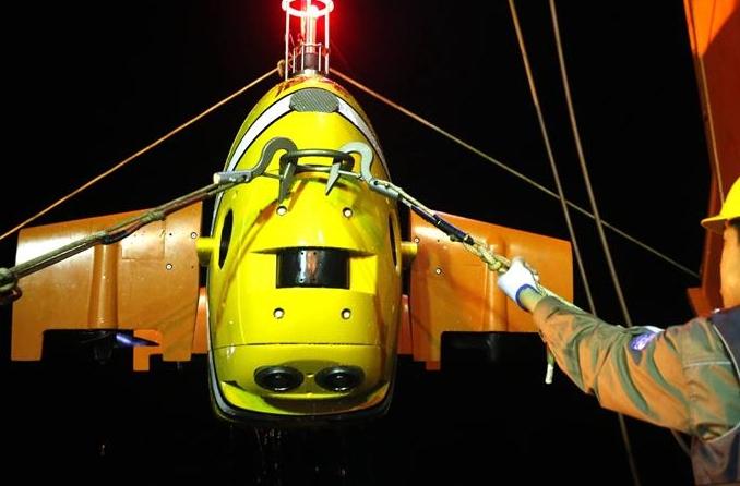 기록 경신! '첸룽3호' 두 번째 심해 잠수서 156km 항해