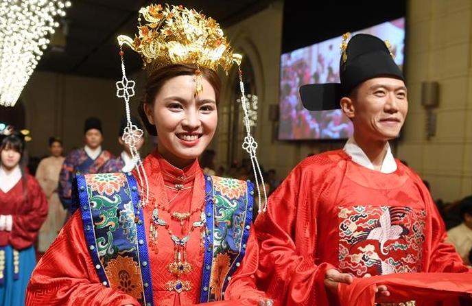 타이완: 한복 결혼식으로 중국 전통문화 선보여