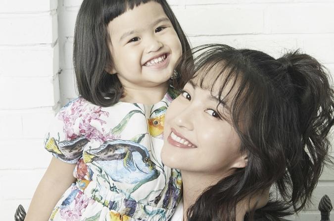 바오원징, 딸과 함께 화보 장식…달콤한 모녀 데이트