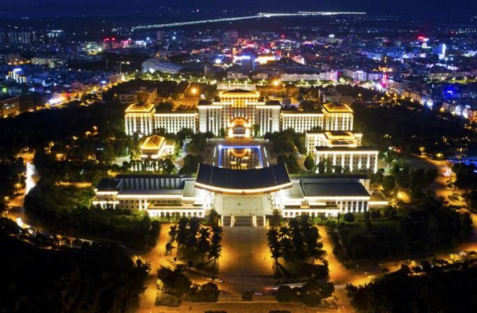 【드론으로 보는 중국】윈난 멍쯔 야경: 오색찬란한 빛의 향연