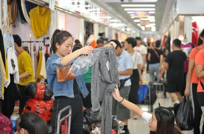 베이징 다훙먼 아침시장 도매상 4000개, 허베이 창저우에 단체 입주