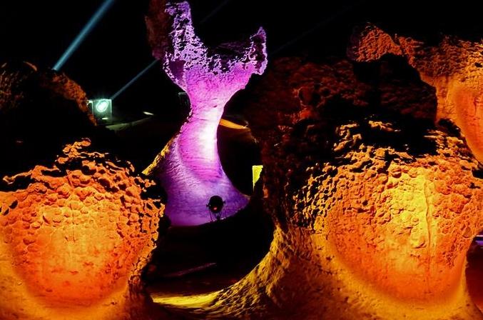 변화무쌍한 기석(奇石)의 세계 타이완 예류 지질공원