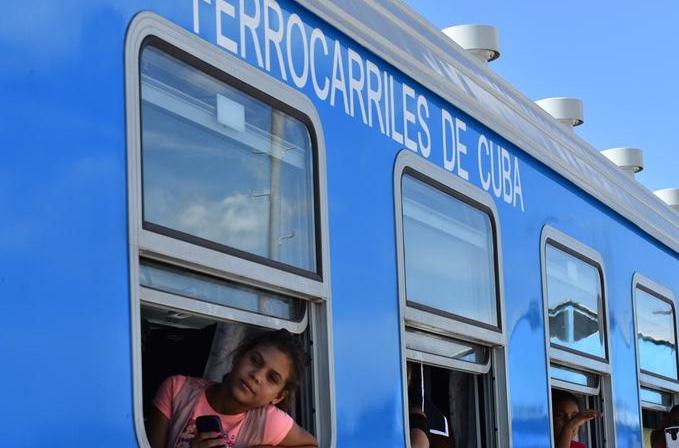 중국산 열차 쿠바서 본격 운행