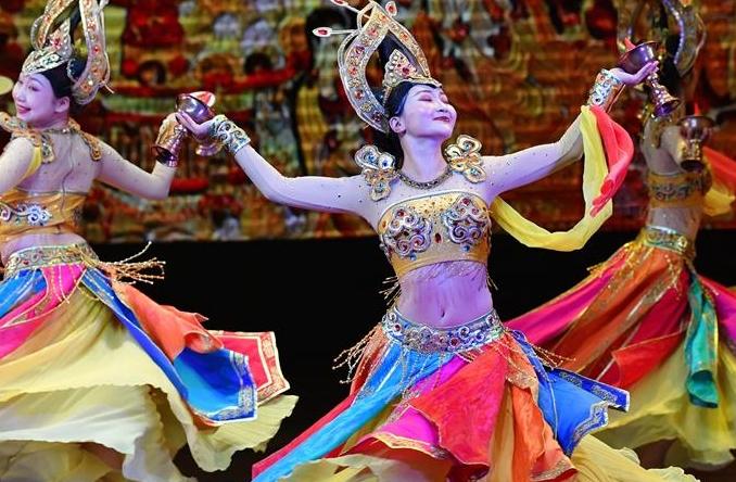 간쑤 쑤베이 우란무치 가무 공연 시안서 상연
