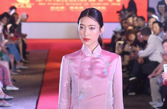 송나라 시대 비단 주제 패션쇼 홍콩서 개최