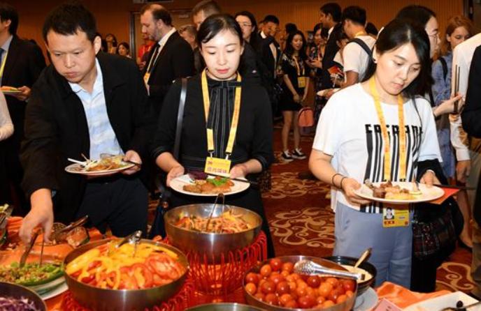 신중국 수립 70주년 경축행사 프레스센터, 내외신 기자 환영 리셉션 개최