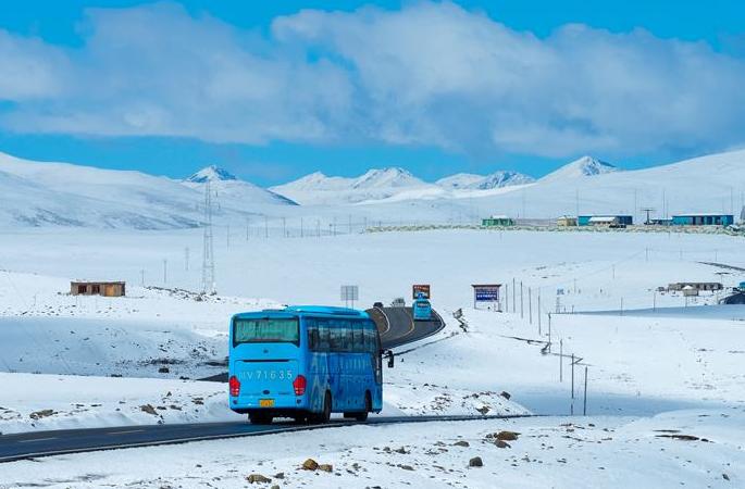 설국 풍경 펼쳐진 청두-라싸 도로