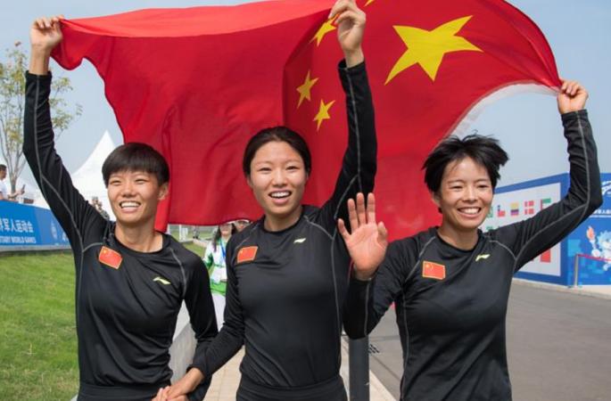 육군5종--여자 장애물달리기 계주 금메달 획득
