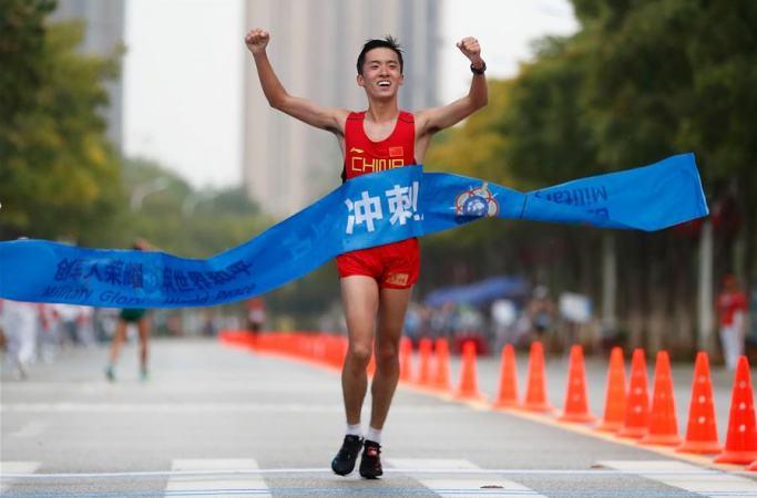 (육상경기) 남자 20km 경보: 中 선수 쉬하오 선수 금메달 획득