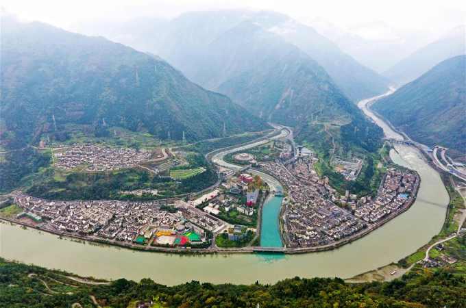 하늘에서 내려다본 원촨 지진 진앙지 잉슈