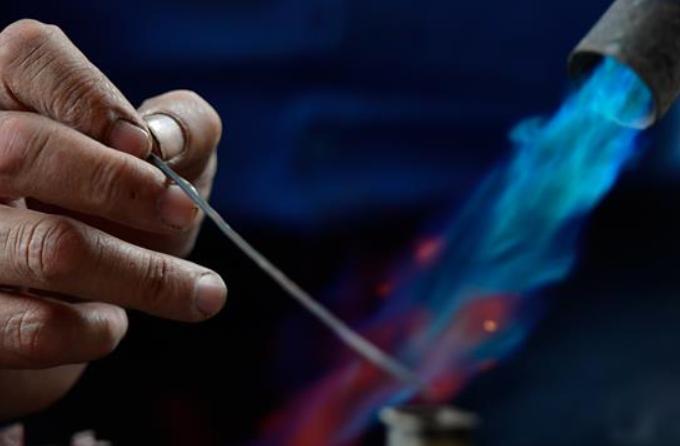 칭하이 위수: 장인정신으로 가문의 刀 명맥 전승