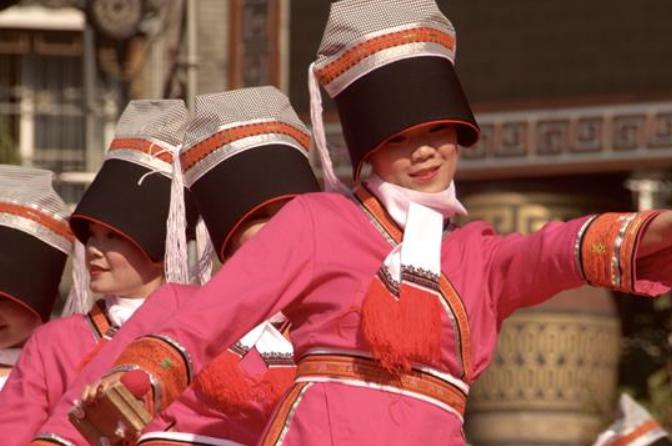 광시 야오족 동포, 전통 명절 '판왕절' 경축