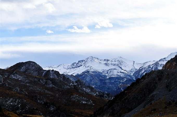 칭하이 위수: 겨울 고원 풍경화