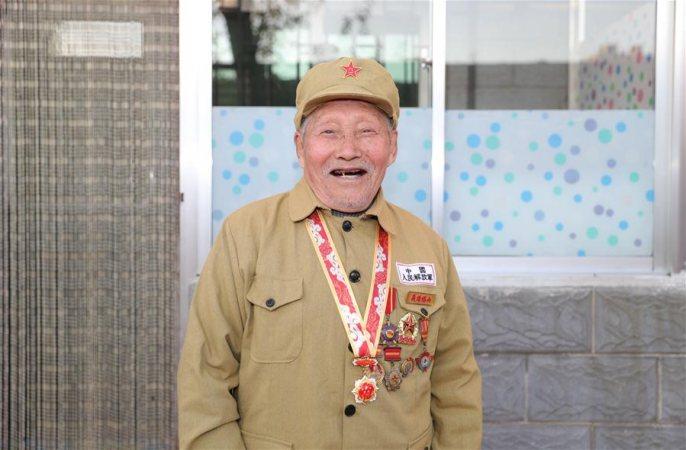 싸움터 누비고, 고향 위해 충성—65년간 공명 숨긴 타산저지전 영웅 장구이빈