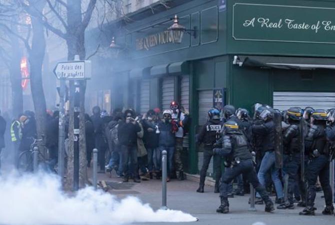 프랑스 전역 총파업 계속…교통 대란