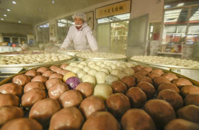 허베이 쭌화: 명절 전통 먹거리 '찹쌀 찐빵' 향기 솔솔