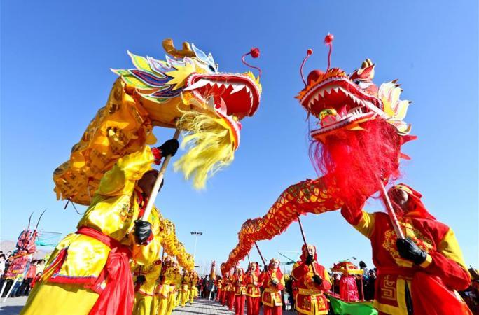 간쑤 장예: 새해맞이 서훠(社火) 연습