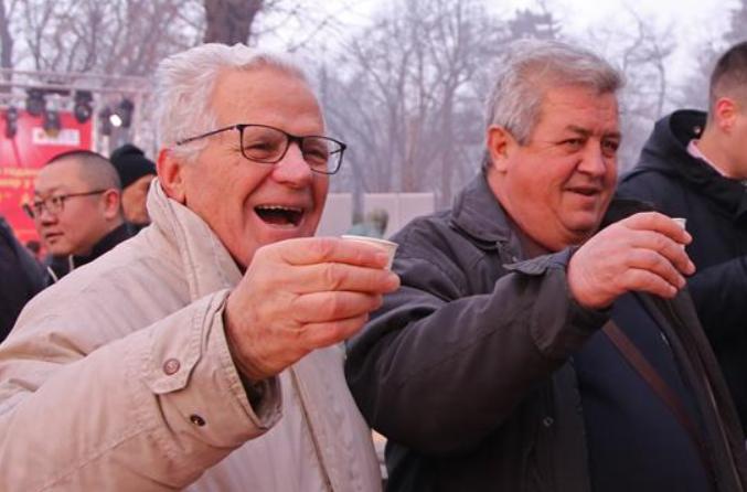세르비아 '즐거운 춘제' 묘회 개막