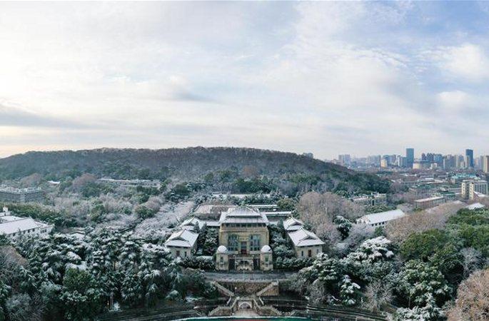 눈 내린 후, 그림처럼 아름다운 우한대학