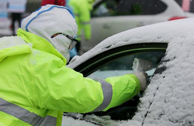 장쑤: 눈바람 속에서 일터 지키는 사람들