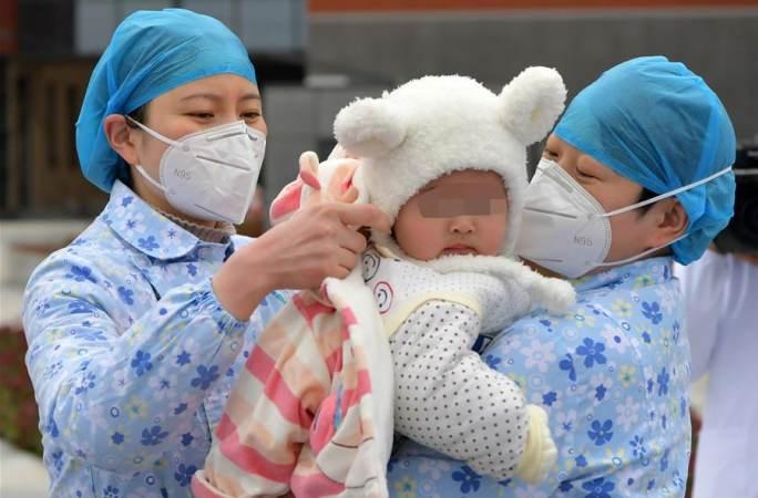 장시 난창: 신종 코로나바이러스 감염 폐렴 7개월 아기 환자 완치 퇴원