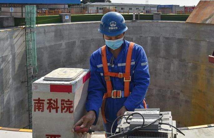 웨강아오 다완구 중점 프로젝트 방역과 조업 재개 둘다 잡아