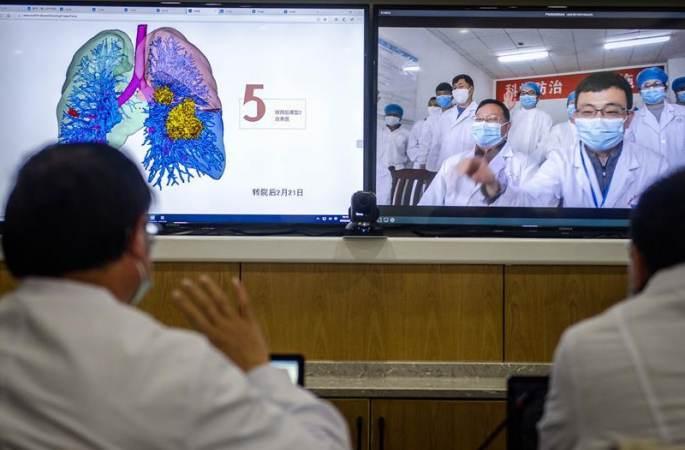 윈난 방역 의사에게 환자 폐를 입체적으로 볼 수 있는 '투시안'