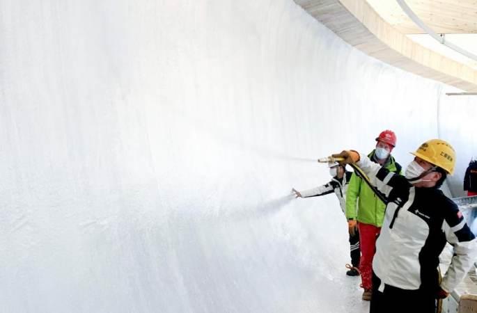 중국 첫 봅슬레이•루지 트랙 '얼음 얼리기'
