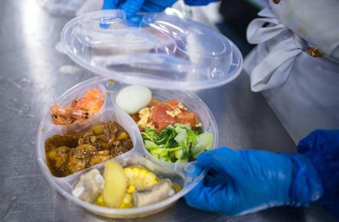 우한 이동형 임시 의료시설 급식업체 '주방' 탐방