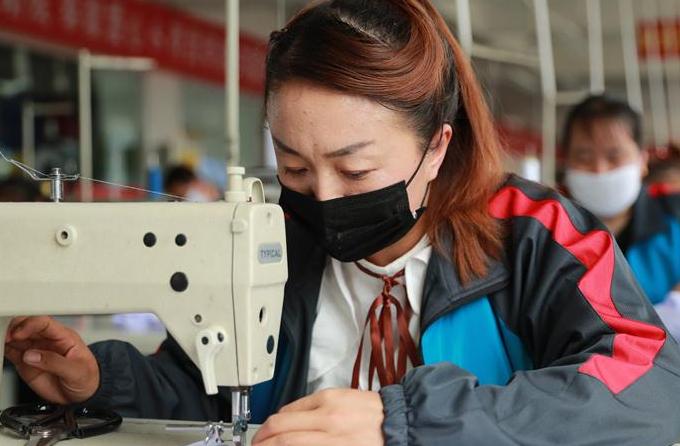 간쑤린샤: 기업, 생산 재개'분주'