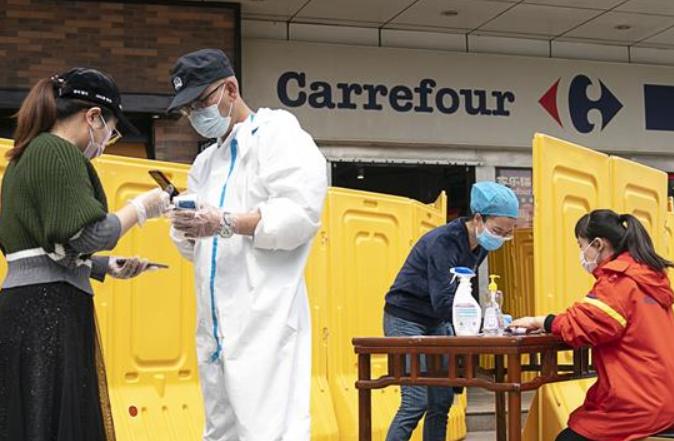 우한: 확진자 없는 주택단지 주민에 슈퍼마켓 개방