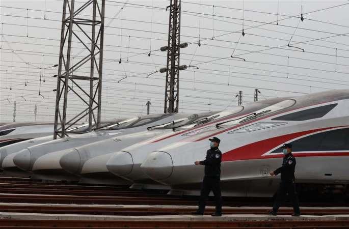 우한: 철도 여객운송 발차 준비 완료