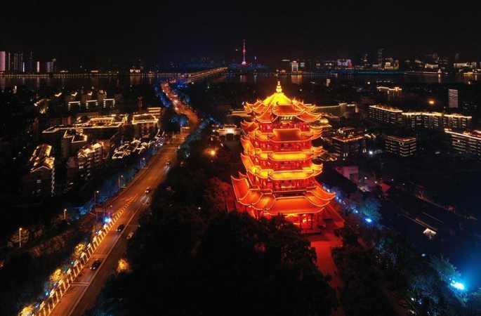 우한: 눈부신 황홀한 야경