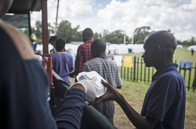 남아공: 노숙자들 위해 임시 '주택' 건설