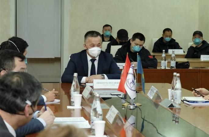 카자흐스탄 지원 중국 의료팀, 카자흐스탄서 경험 공유 및 교류 업무