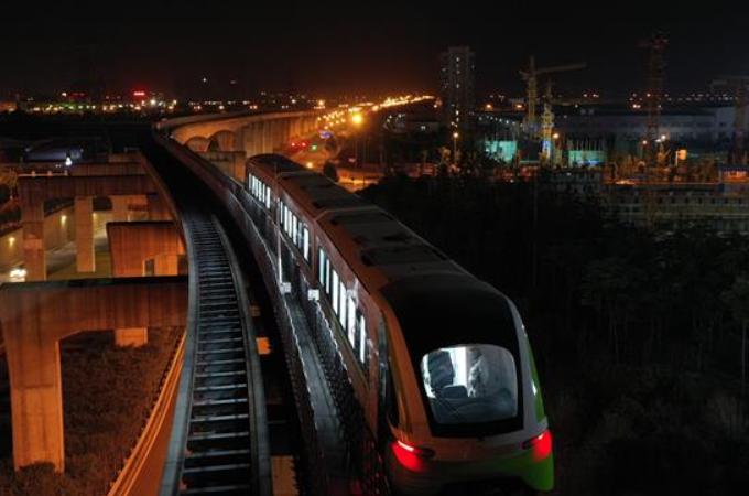 중국 첫 상업용 자기부상열차 2.0버전, 속도 테스트 성공