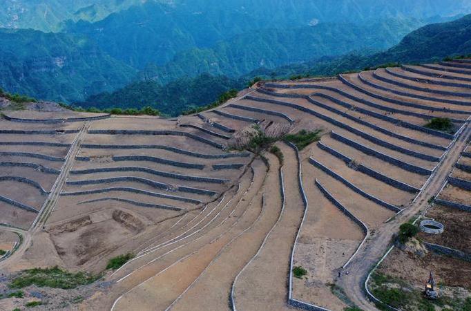 후베이 쉬안언: 투자족·먀오족 전원에 펼쳐진 새로운 경치