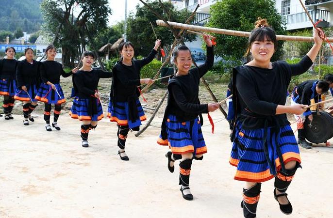 극빈지역 구이저우 야오족 마을의 탈빈곤 분투사