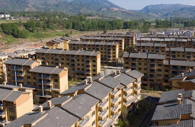 쓰촨 자오줴: 빈곤인구, 이주 지원 프로젝트에 의해 새 주택 입주