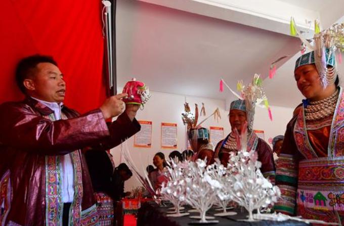 광시 룽수이: 야오족향 전시회…가난에서 벗어나도록 도와