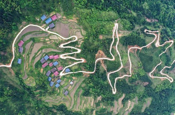 광시 룽수이: 야오족 마을 脫빈곤의 길 닦아