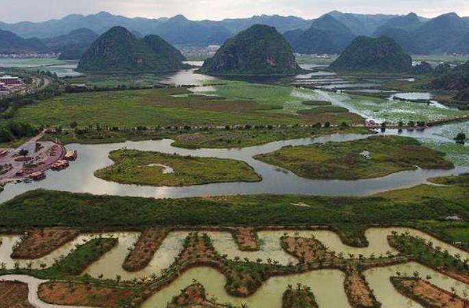 윈난 추베이: 푸저헤이의 수려한 풍경