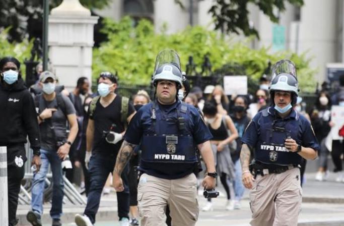 뉴욕 항의 시위 이어져…야간 통행금지 일요일까지 연장
