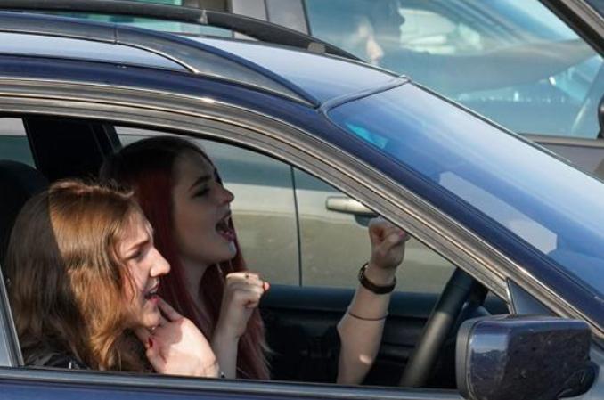 라트비아: 코로나19 속 '자동차 뮤직 페스티벌'