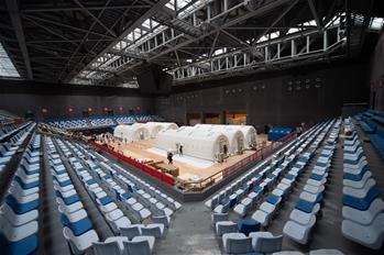 베이징 첫 공기막 구조 '훠옌' 핵산검사실험실 정식 운영에 투입