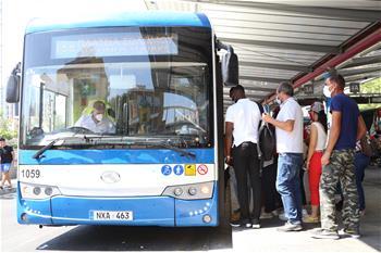 중국서 수입한 '방역버스' 155대, 키프로스 대중교통시스템에 투입