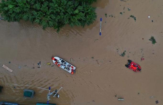 광시 룽수이: 수재민 긴급 대피