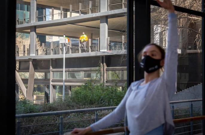 남아프리카공화국: 마스크 착용하고 발레 연습