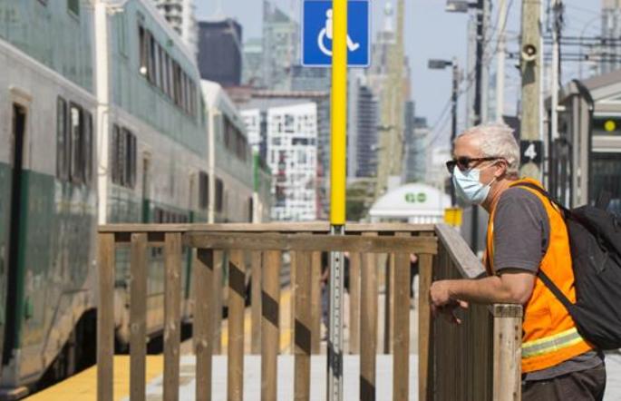 캐나다 온타리오주 : 도시간 철도 마스크 착용 의무화
