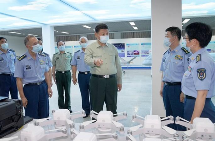 시진핑 주석, 8·1 앞두고 공군항공대학교 시찰